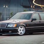 Slammed Mercedes S320 W140 en Lorinser