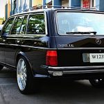 Mercedes W123 Wagon... Avec un V12 sous le capot ça vous dit ?