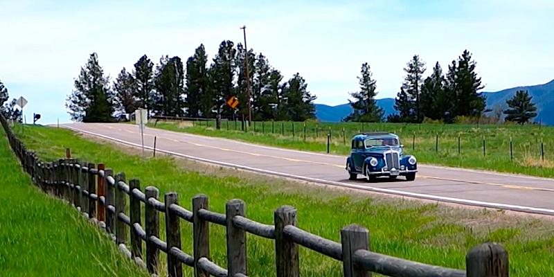 """Road trip en Mercedes 220… """"I've got the blues"""""""