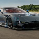 Aston Martin Vulcan - Et en plus elle chante !