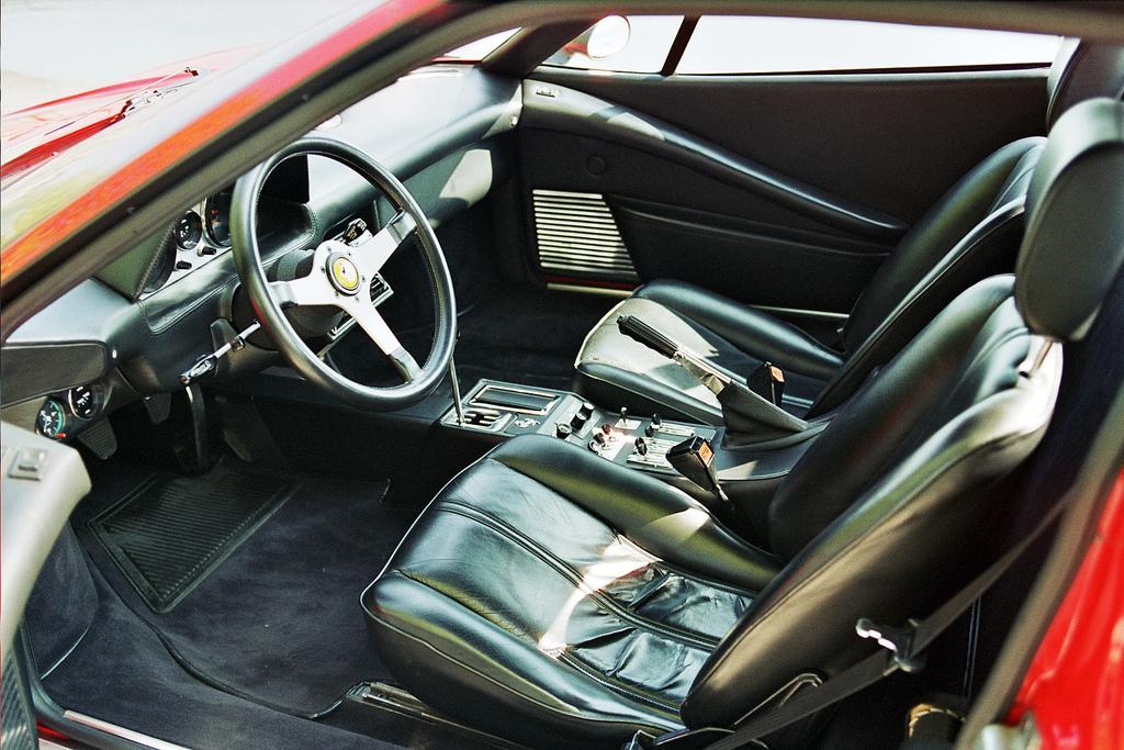 DLEDMV - Ferrari 308 GTB vetroresina - 02