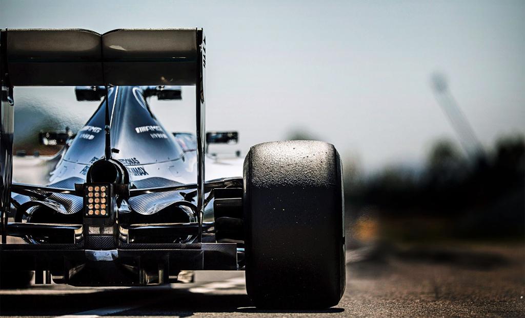 Des moteurs de F1 sur la route... Quand les ingénieurs se lâchent ! 1