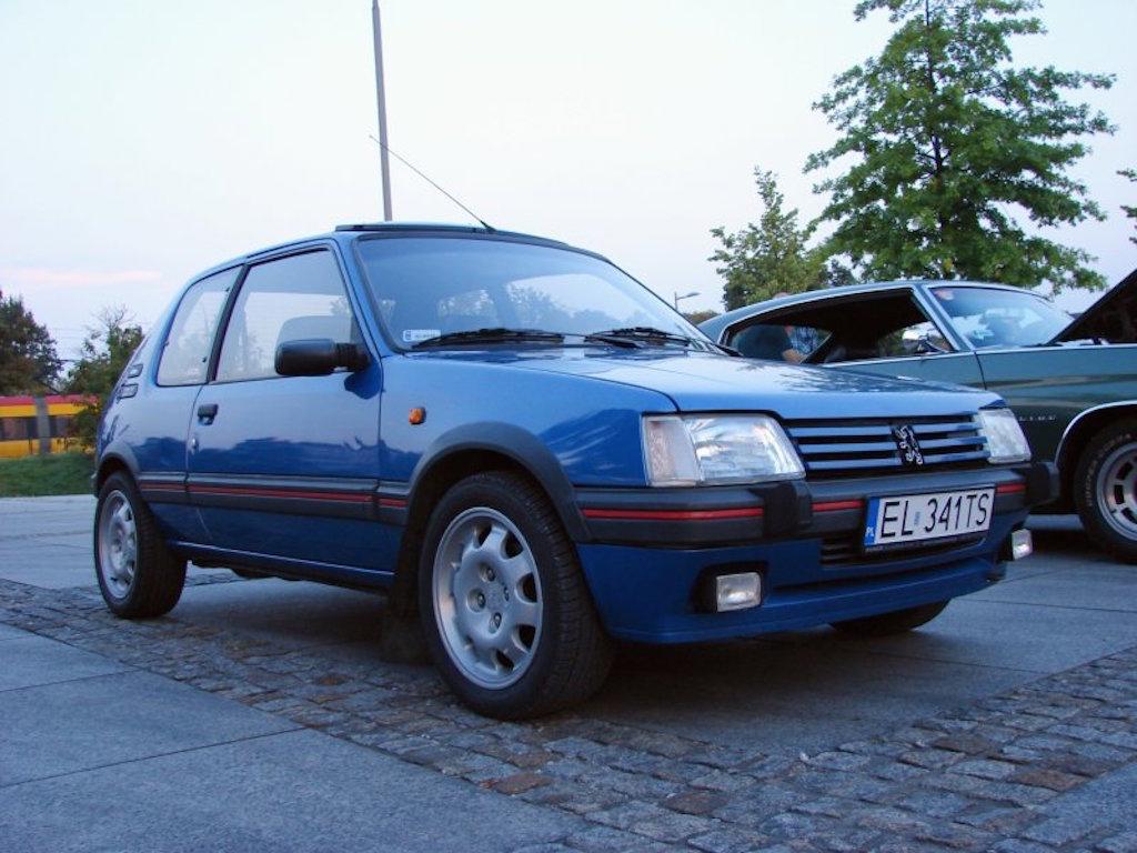 dledmv-peugeot-205-gti-le-mans-04
