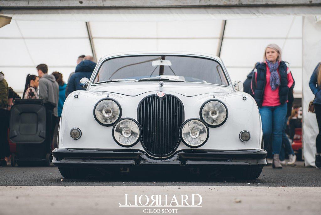 dledmv-slammed-jaguar-mkii-06