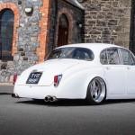 Slammed Jaguar MKII… Y'en a qui vont encore s'énerver !