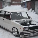 Lada 2105 - Chasse la neige !