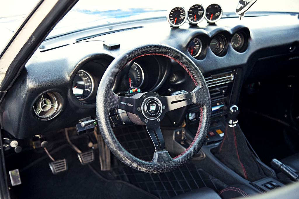 Datsun GT 240 Z... En Gulf et RB25 ! 6
