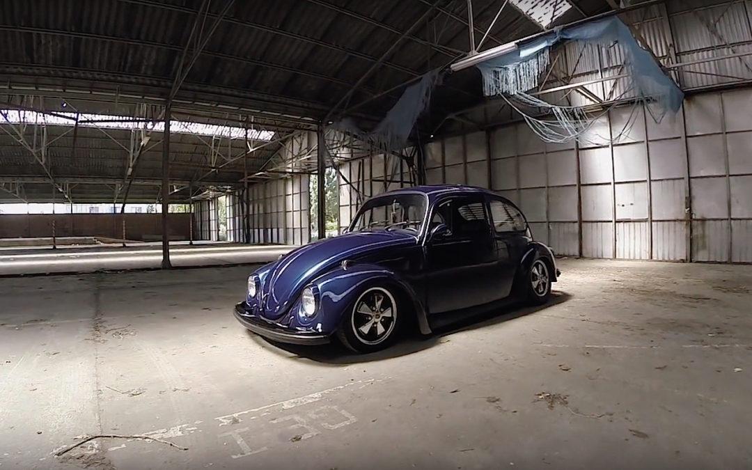 '73 Slammed VW Bug… Juste une Cox posée !