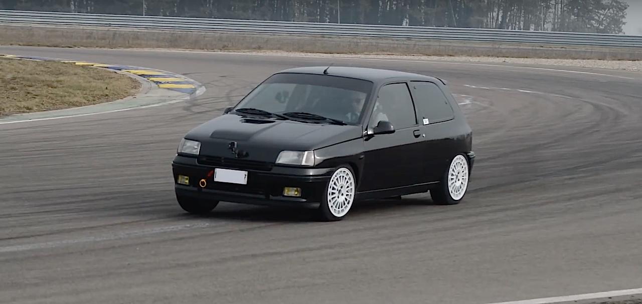 Allez, un p'tit tour en Renault dans une Clio 16s turbo de 370 ch... 5