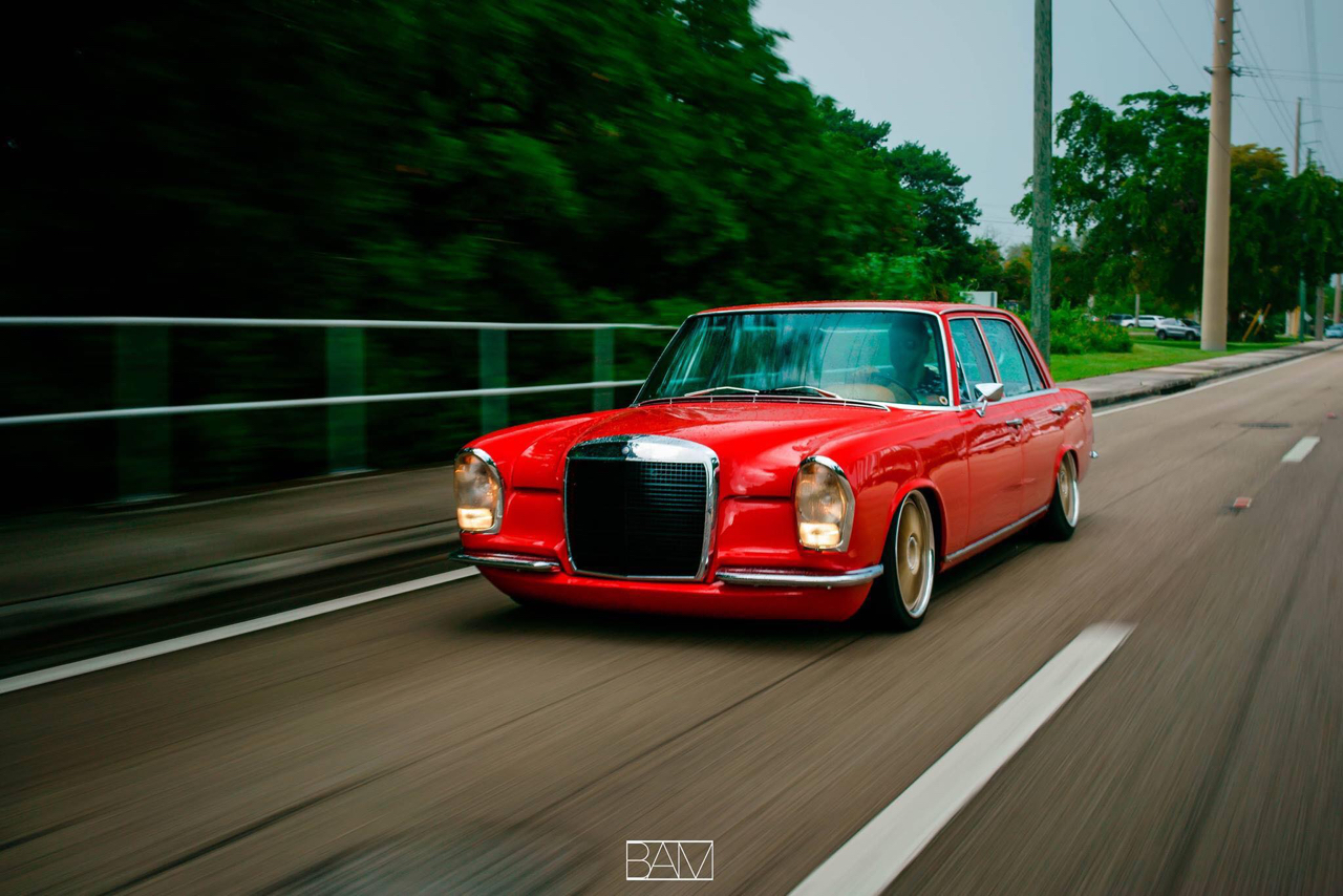 Red Bagged Benz W108    Mélange des genres ! De l'essence
