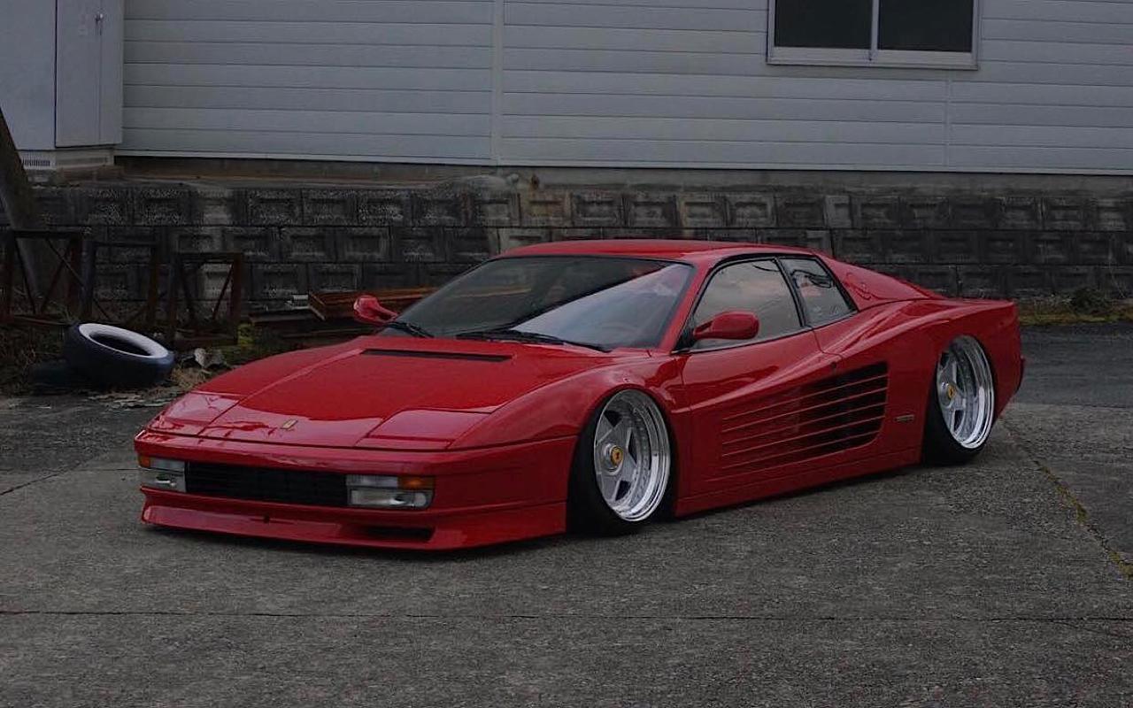 Ferrari Testarossa... Aïe, ça va encore piquer ! 1