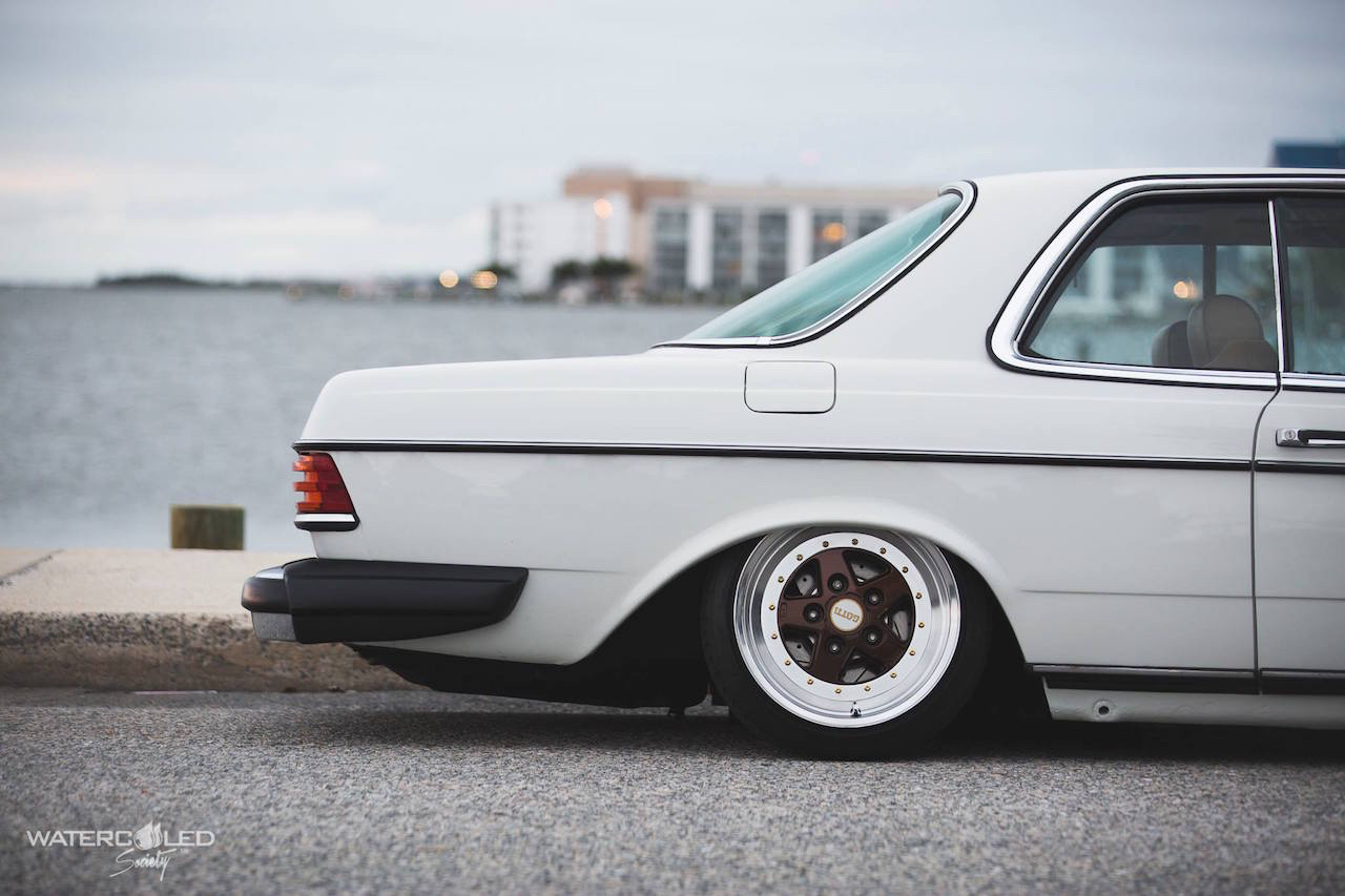Mercedes 280 CE bagged... My classic is fantastic ! 6