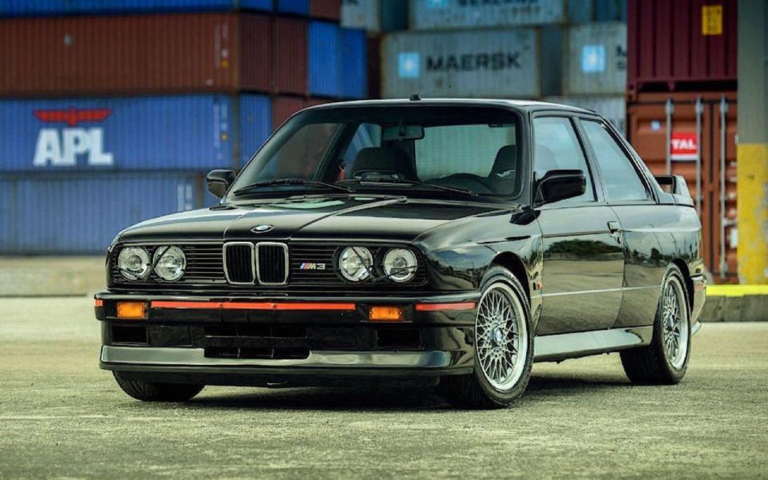 BMW M3 E30 Sport Evo… Bouquet final !