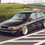 Slammed Opel Vectra... Pari osé !