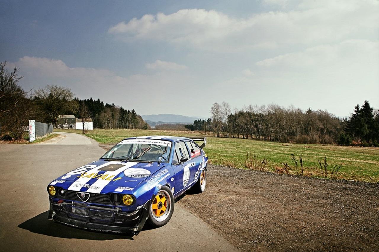 Engine sound - Alfetta GTV6 - V6 fois plus de plaisir ! 14