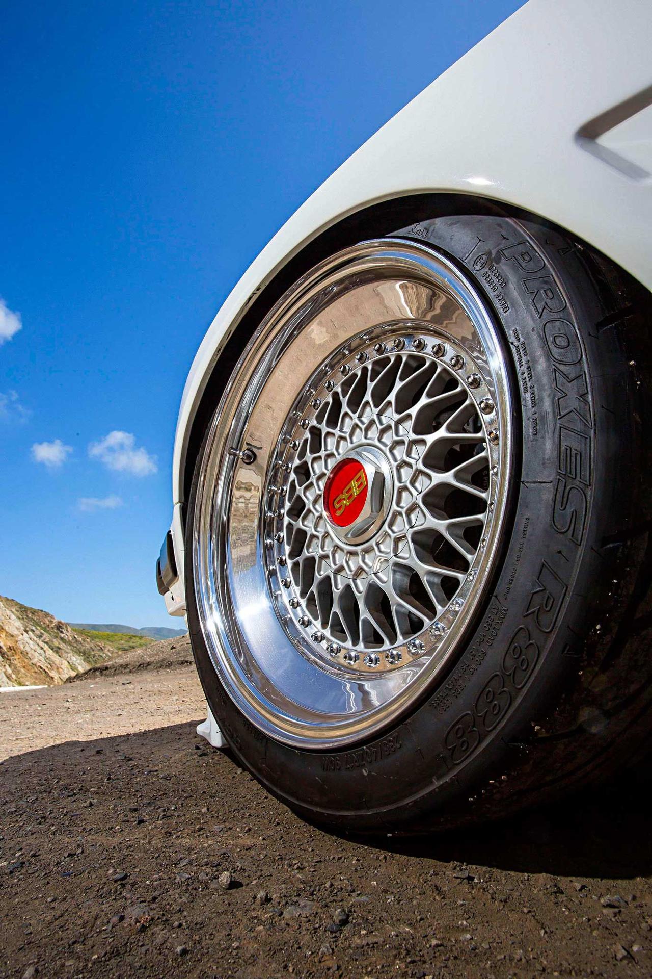 BMW E30 325is en Rocket Bunny... Musclé le lapin ! 6