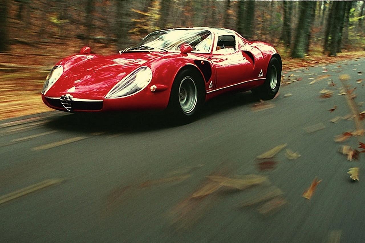Alfa Romeo T33 Stradale... Oeuvre d'art sur roues ! 12