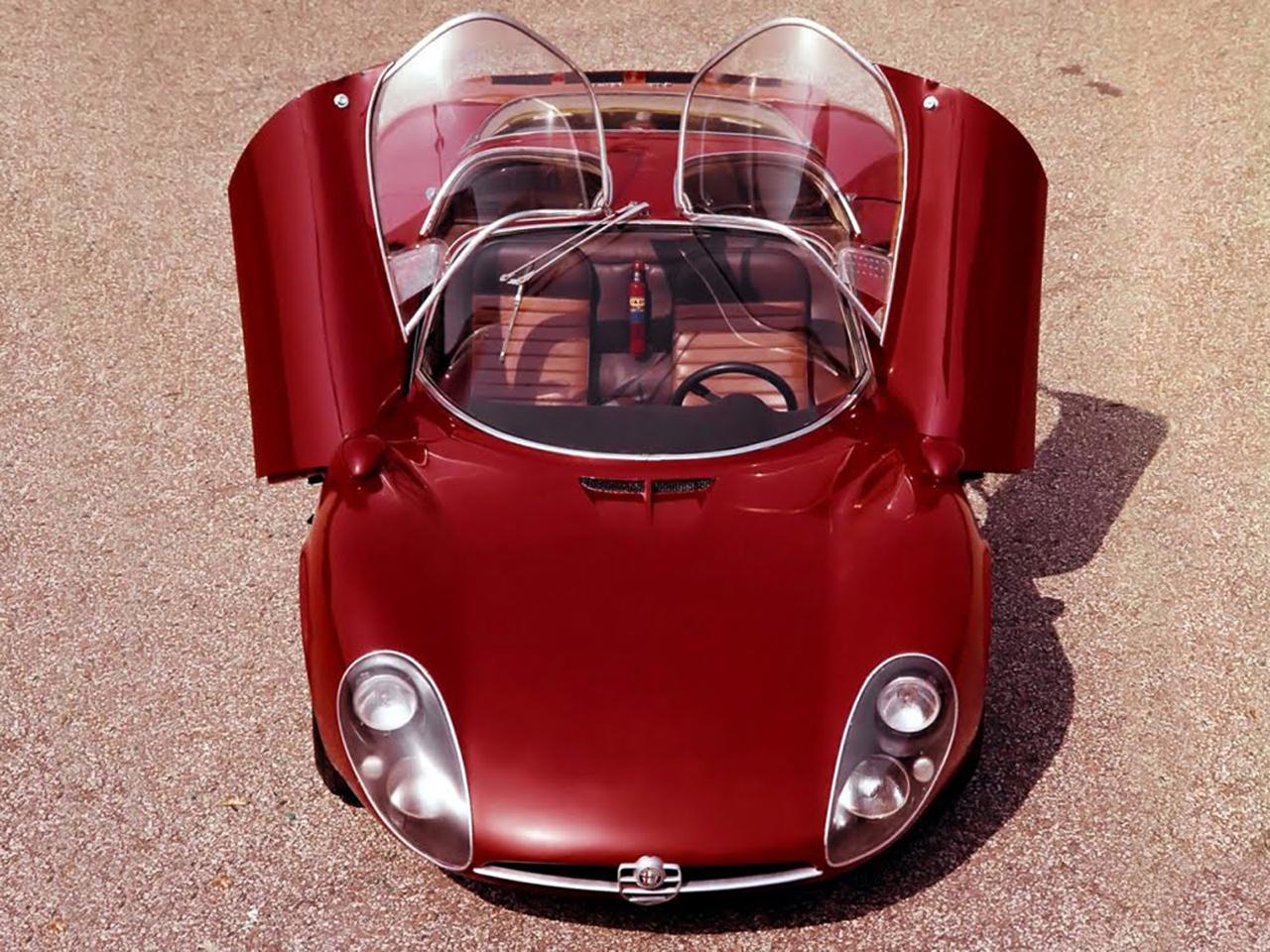 Alfa Romeo T33 Stradale... Oeuvre d'art sur roues ! 10