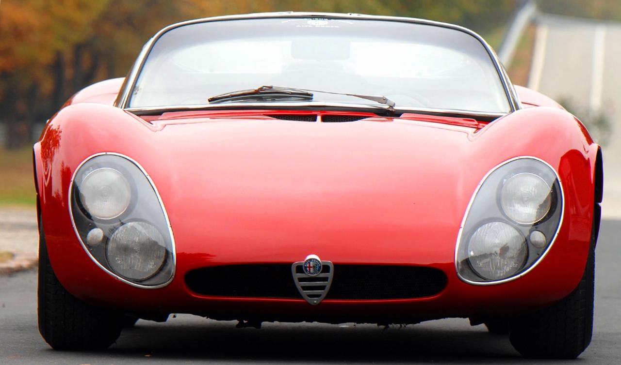 Alfa Romeo T33 Stradale... Oeuvre d'art sur roues ! 4