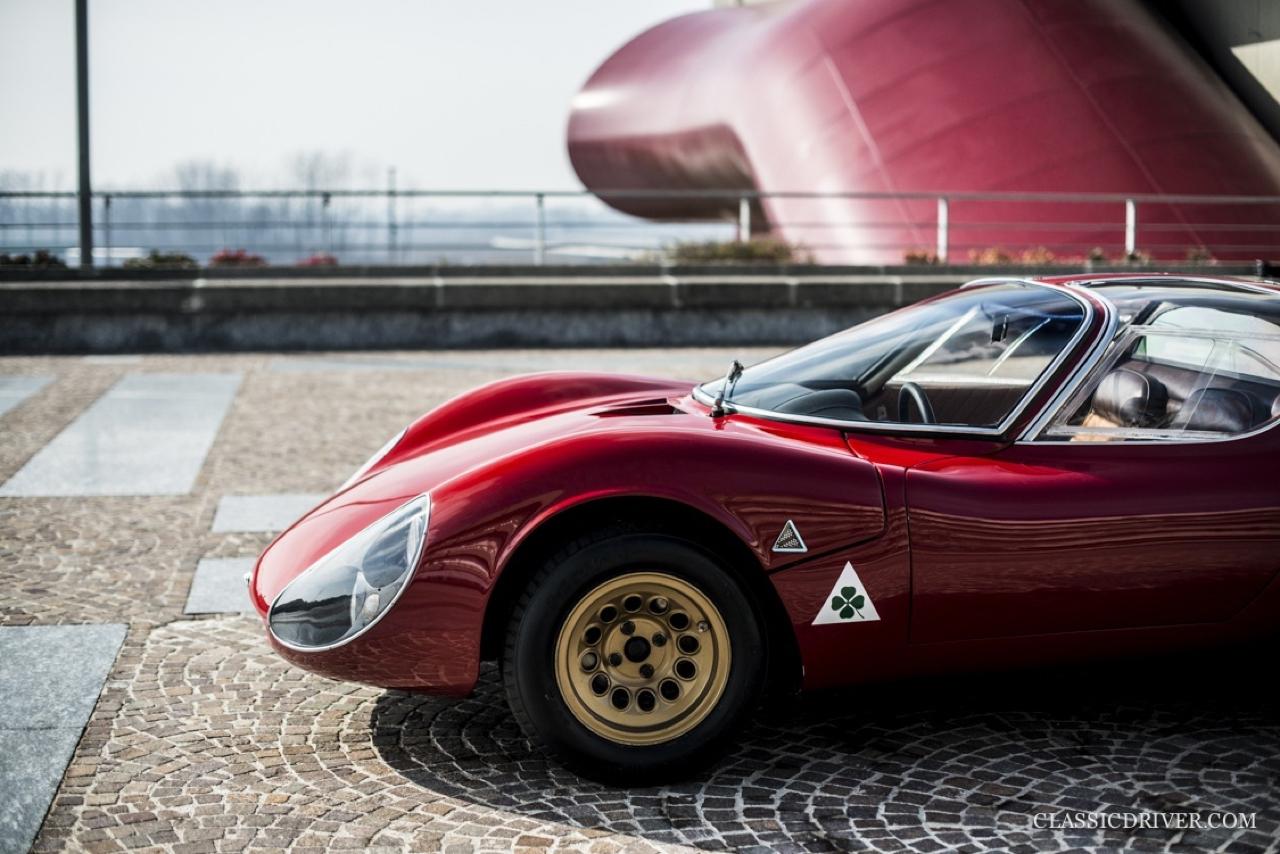 Alfa Romeo T33 Stradale... Oeuvre d'art sur roues ! 3