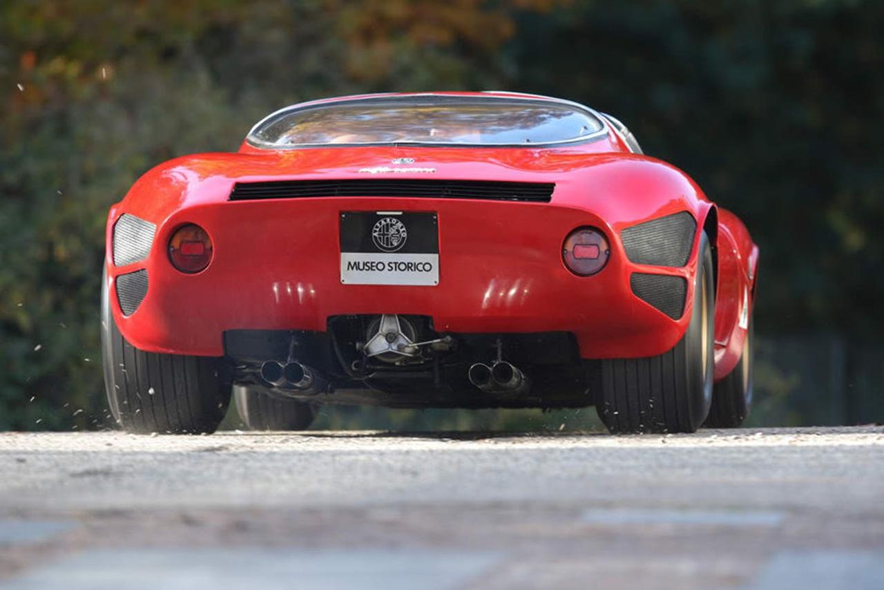 Alfa Romeo T33 Stradale... Oeuvre d'art sur roues ! 5