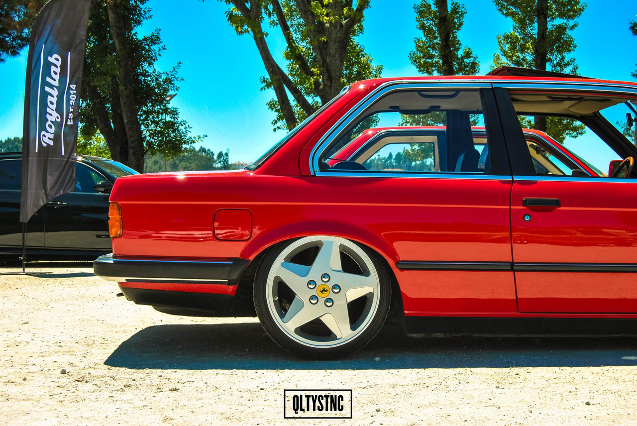 Une BMW E30 chaussée en Ferrari ! 1