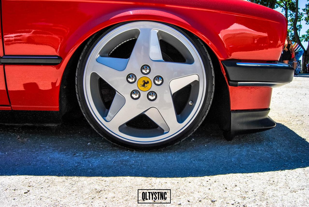 Une BMW E30 chaussée en Ferrari ! 6