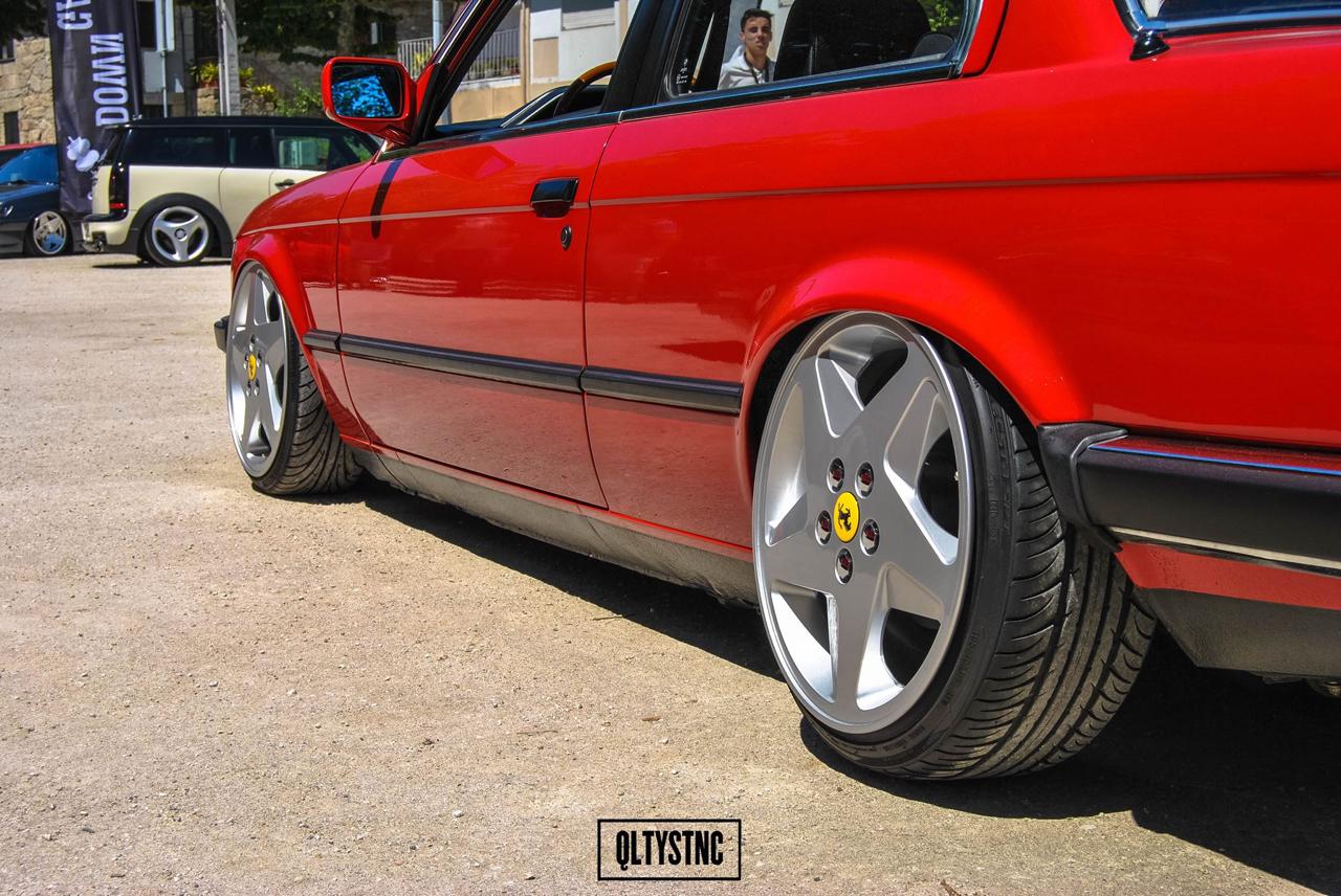 Une BMW E30 chaussée en Ferrari ! 3