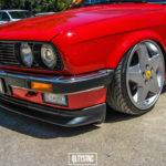Une BMW E30 chaussée en Ferrari !