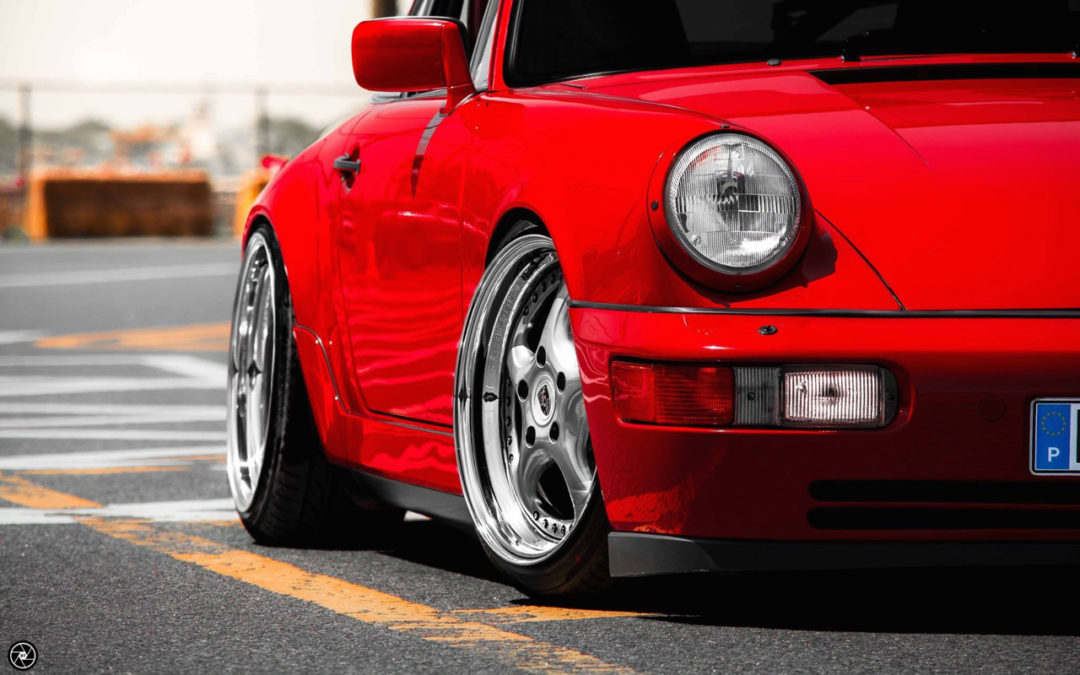 Porsche 964 Carrera 4 : Simply Red…!