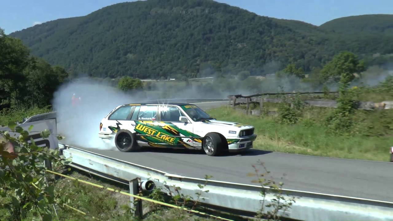 Hillclimb Monster : BMW E30 Touring 3.5l turbo... Par la portière ! 1