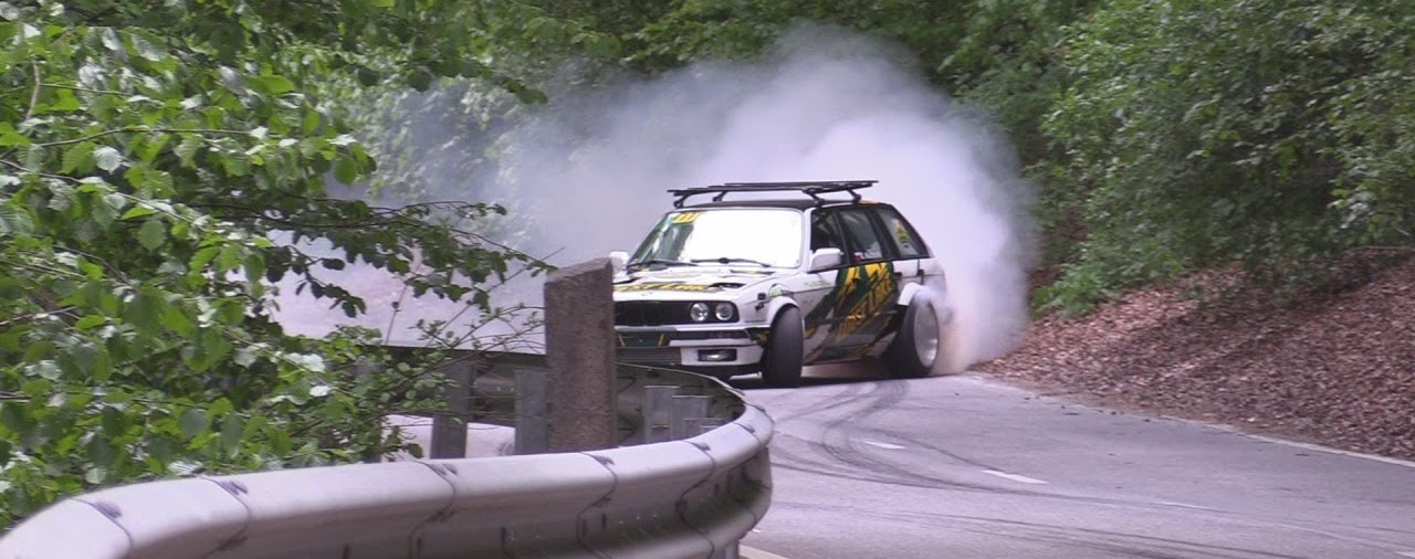 Hillclimb Monster : BMW E30 Touring 3.5l turbo... Par la portière ! 2