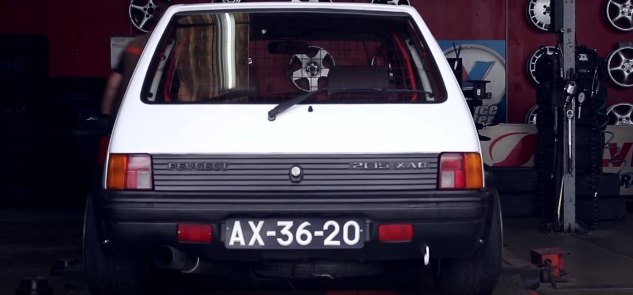 Peugeot 205 : Stance discount ! 1