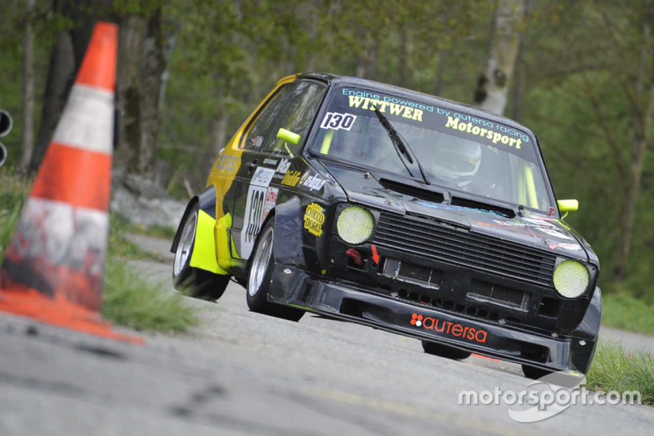 Hillclimb Monster : VW Golf 1 2.0 16v - Crazy ! 11