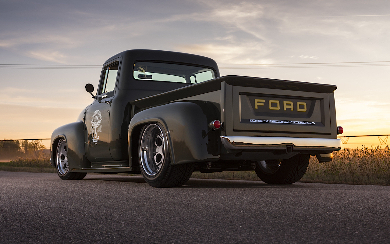 Old Cars For Sale Stock Photos Old Cars For Sale Stock: Ford F100 : L'utilitaire De Chez Ringbrothers !