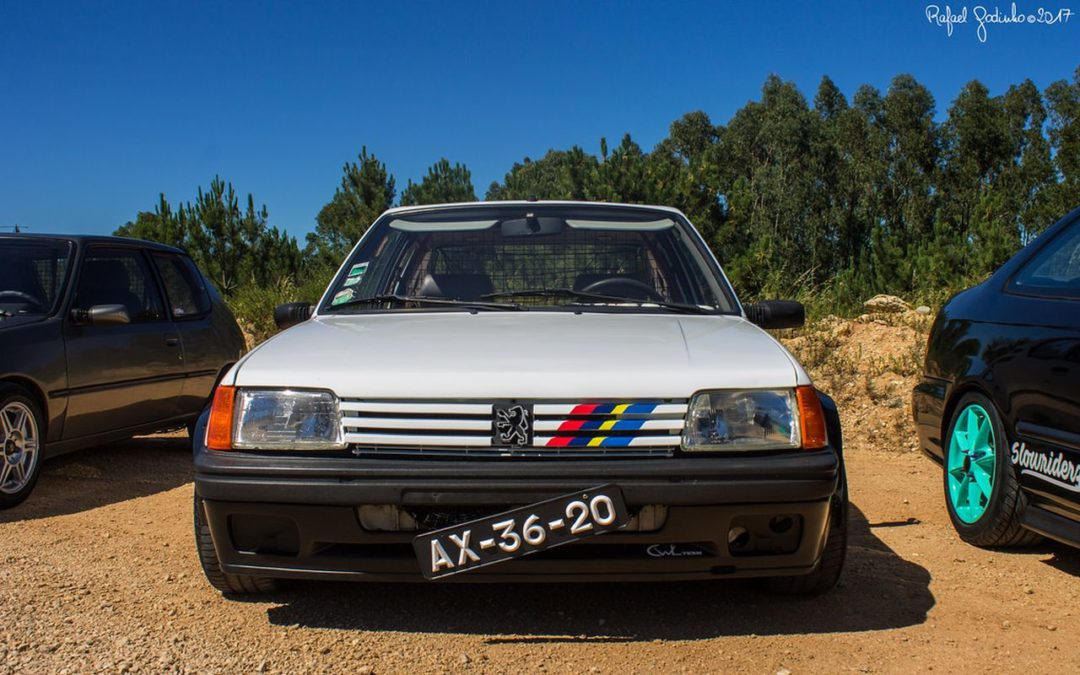 Peugeot 205 : Stance discount !