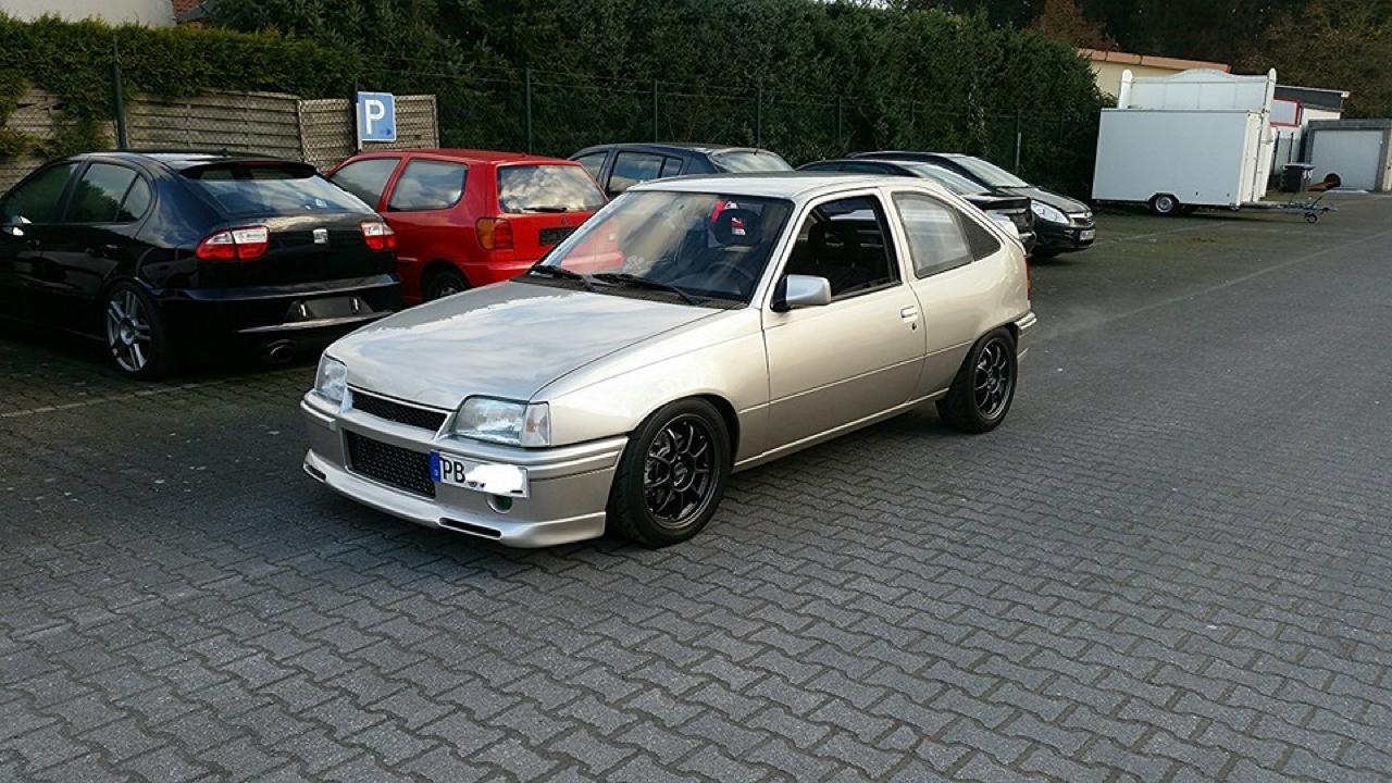 Plus de 1000 ch dans une Opel Kadett ! Tout va bien... 1