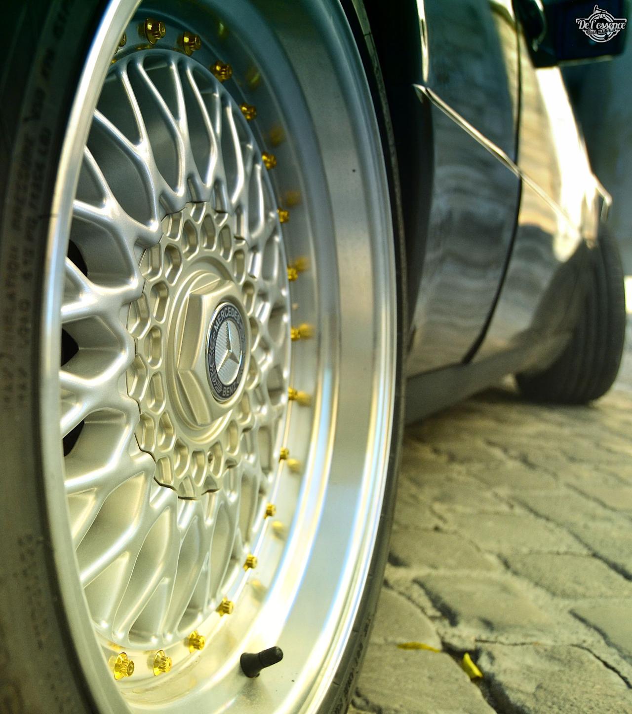 Mercedes 300 CE-24 : Gilles et la gitane ! 50