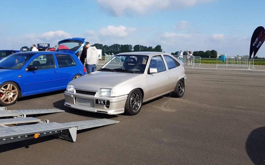 Plus de 1000 ch dans une Opel Kadett ! Tout va bien…