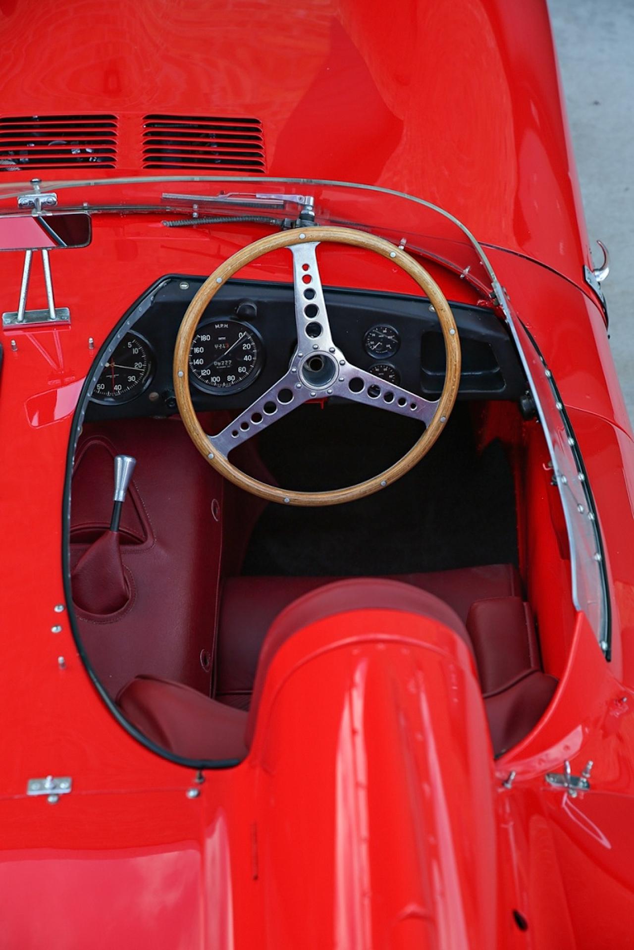 Jaguar Type D : The big red cat ! 3