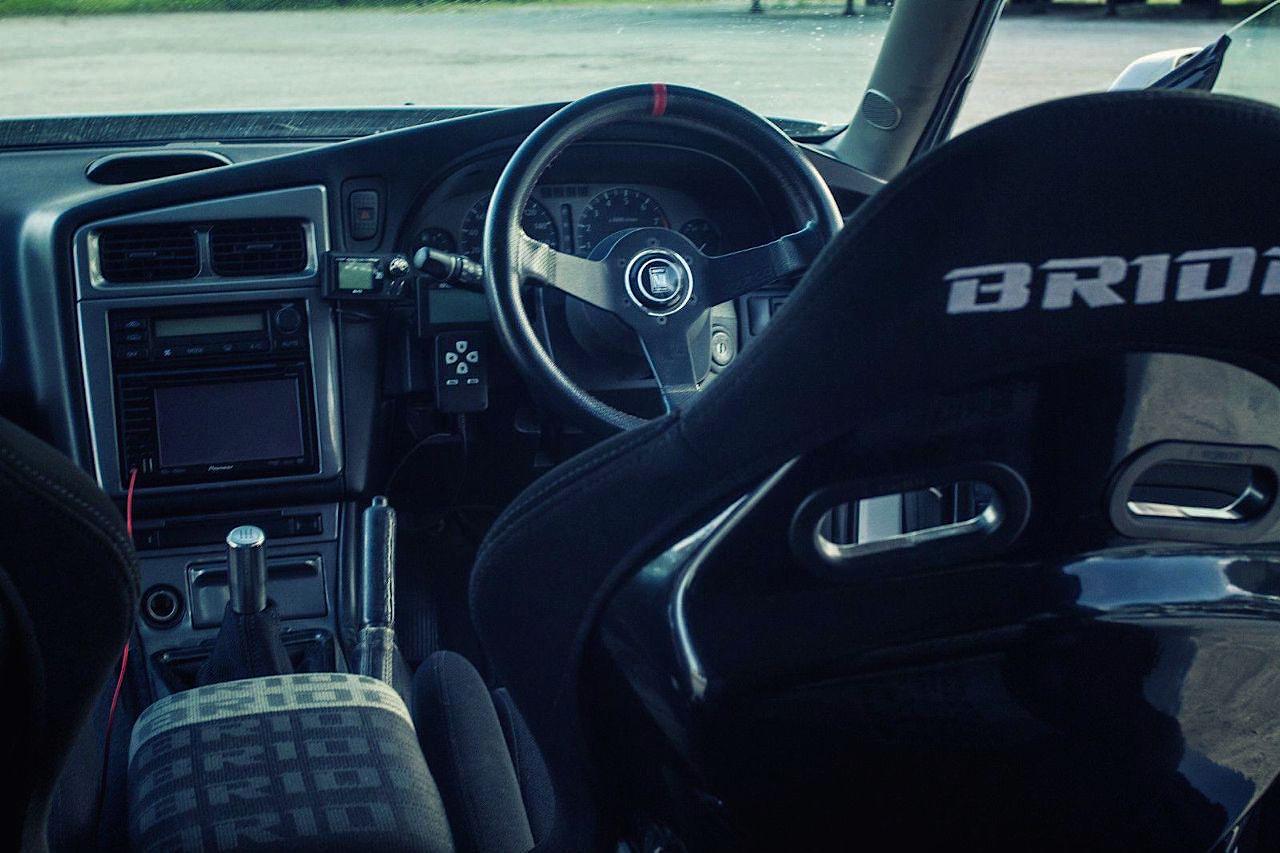 Nissan Stagea... R34 ! A moins que ce soit le contraire ?! 45