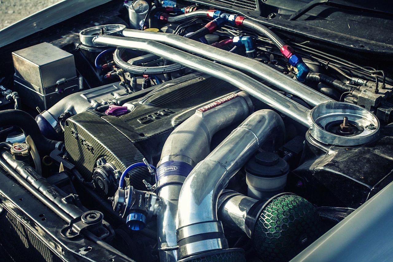 Nissan Stagea... R34 ! A moins que ce soit le contraire ?! 47