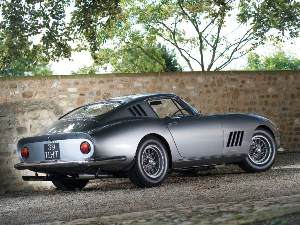Ferrari 275 GTB – Concerto pour 12 cylindres 23