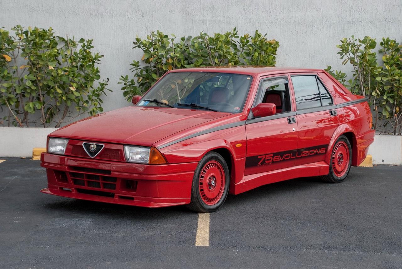 Alfa 75 Evoluzione - Tutta Rossa... Veramente Italiana ! 26