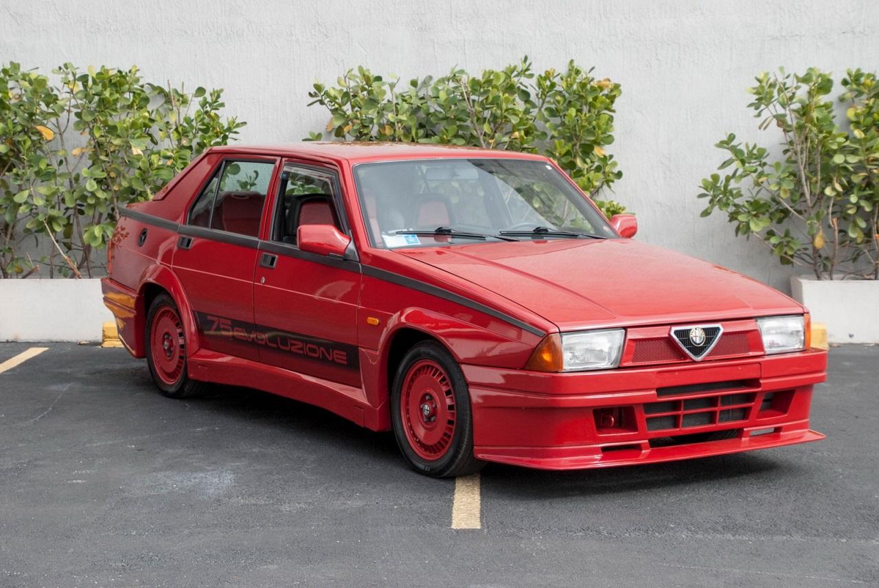 Alfa 75 Evoluzione - Tutta Rossa... Veramente Italiana ! 19