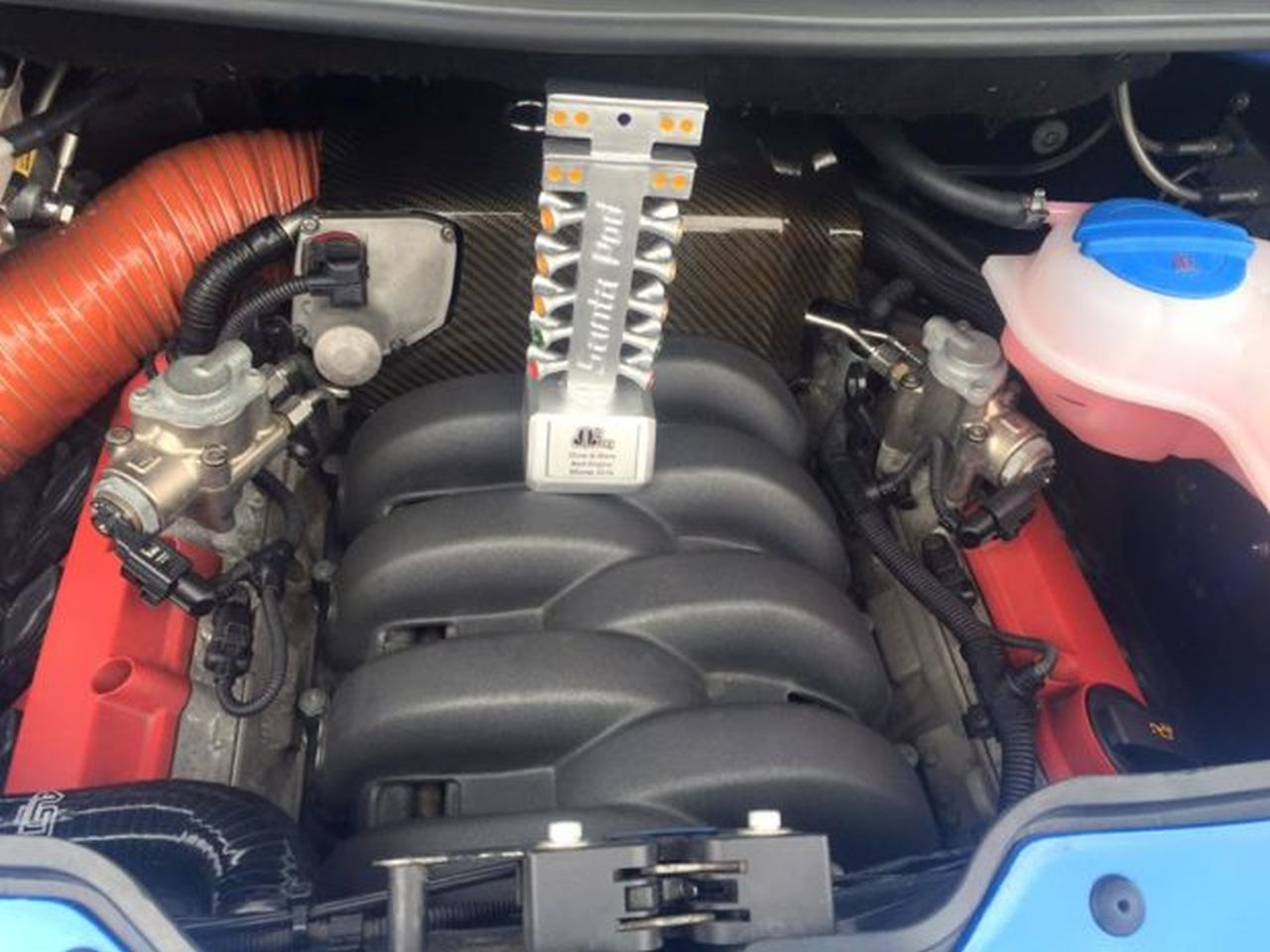 Un RS4 dans un VW T5... WTF ?! 11