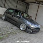 Slammed Renault Clio… En toute simplicité !