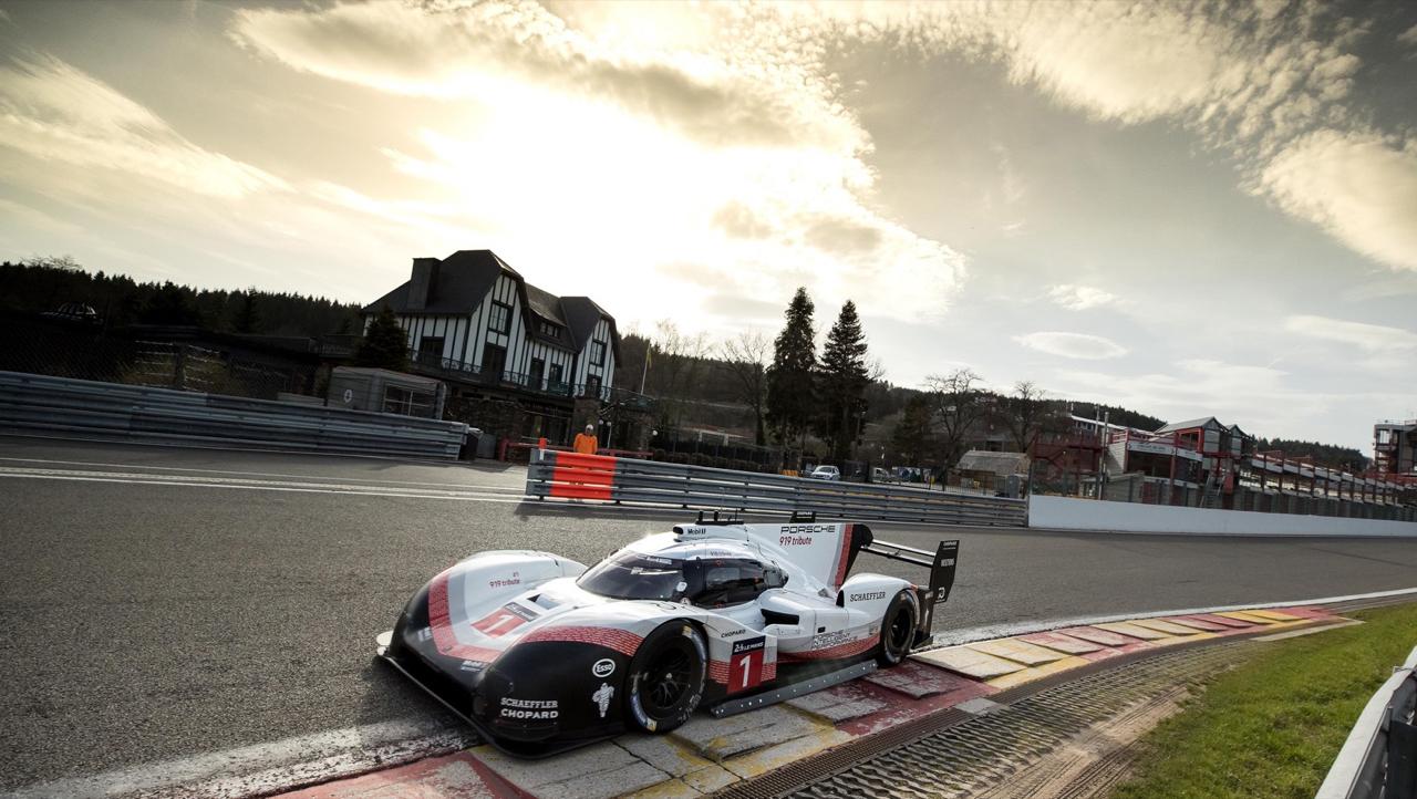 La Porsche 919 énervée claque du boule à Spa et met sa race à une F1 ! Impressionnant... 8