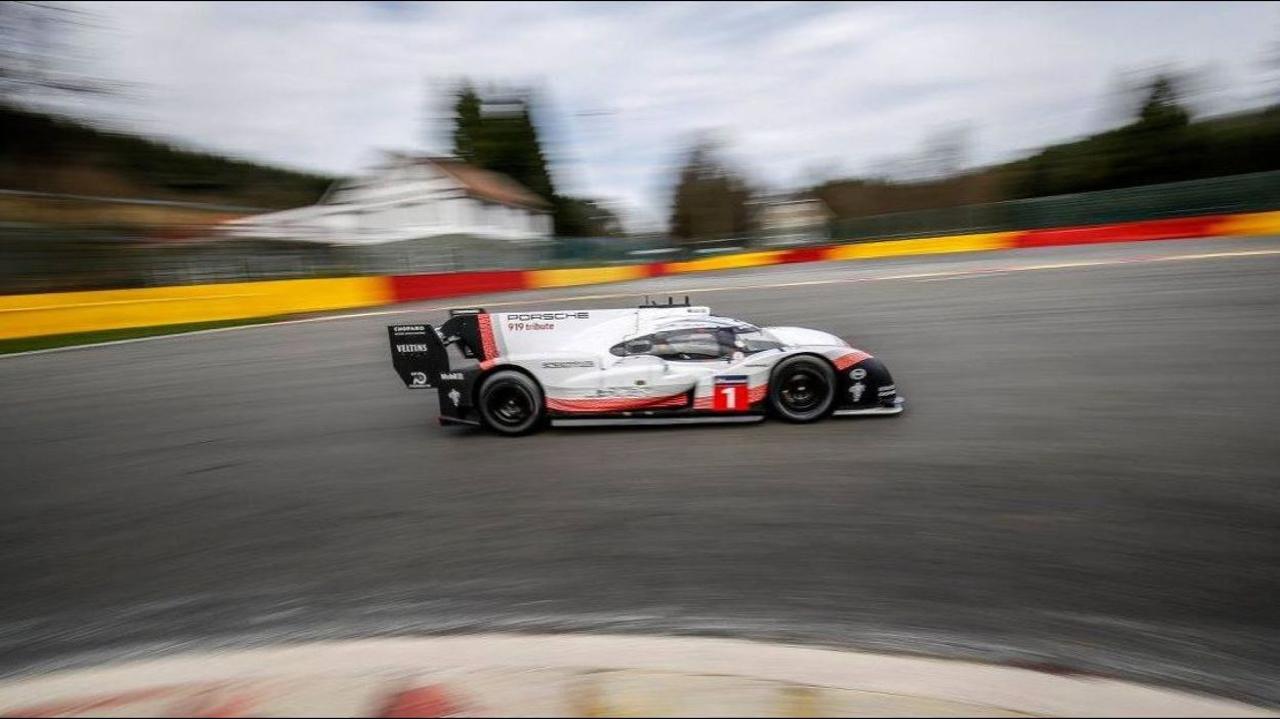 La Porsche 919 énervée claque du boule à Spa et met sa race à une F1 ! Impressionnant... 33