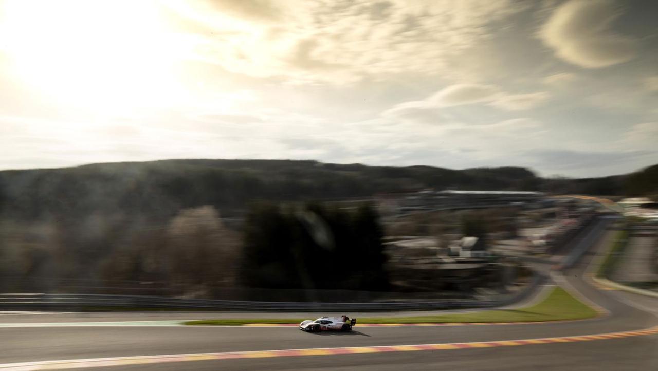 La Porsche 919 énervée claque du boule à Spa et met sa race à une F1 ! Impressionnant... 5